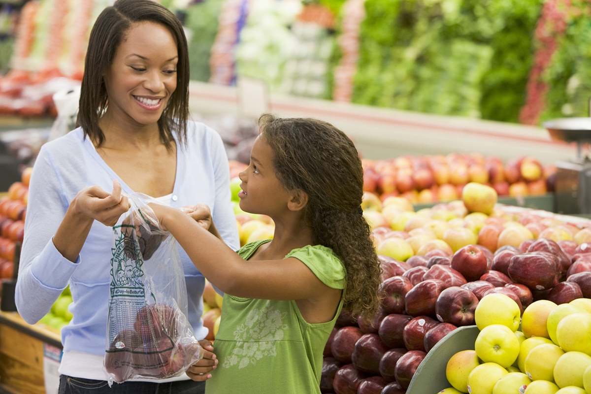 Healthy Family at grocery store